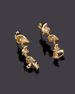 Silverflakes Gold Plated Tulip Stud Earrings