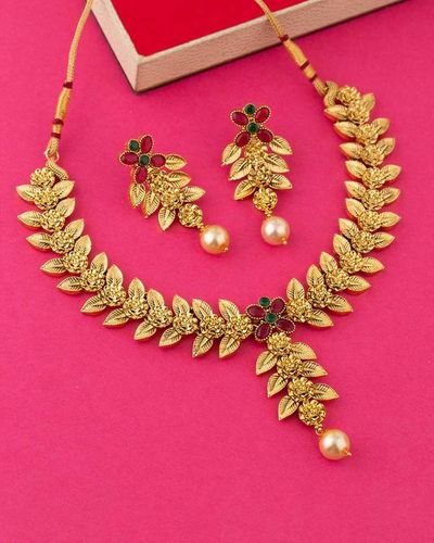 Floral Motifs Necklace Set