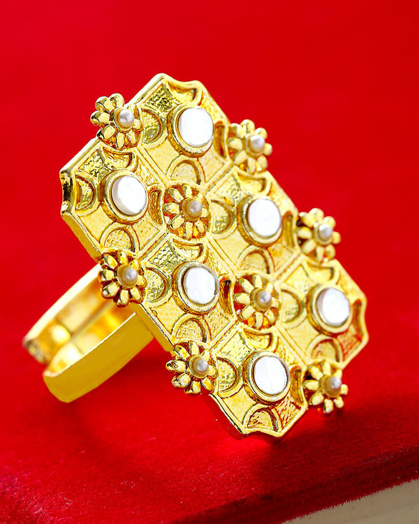 Stylish Pearl Studded Ring
