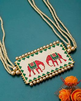 Cream Nari Kunjar Patola Necklace