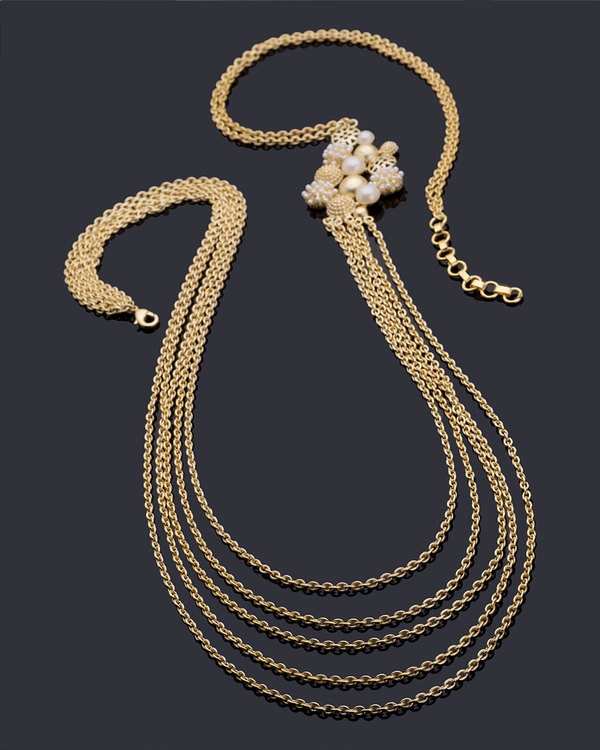 gold-and-pearl-dancing-necklace