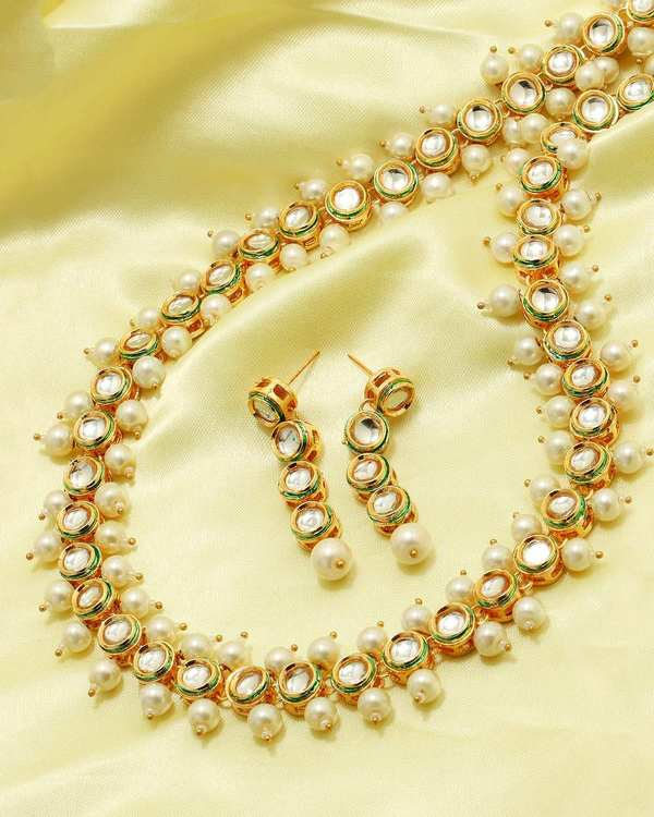 kundan-necklace-set-with-pearl-beads-dangling
