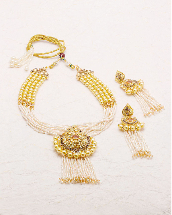 pearl-embellished-necklace-set