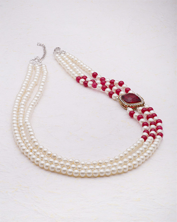 side-pendant-pearl-necklace-from-pearl-galleria