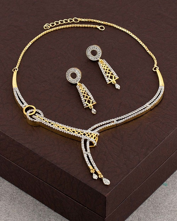 sparkling-gold-plated-necklace-set