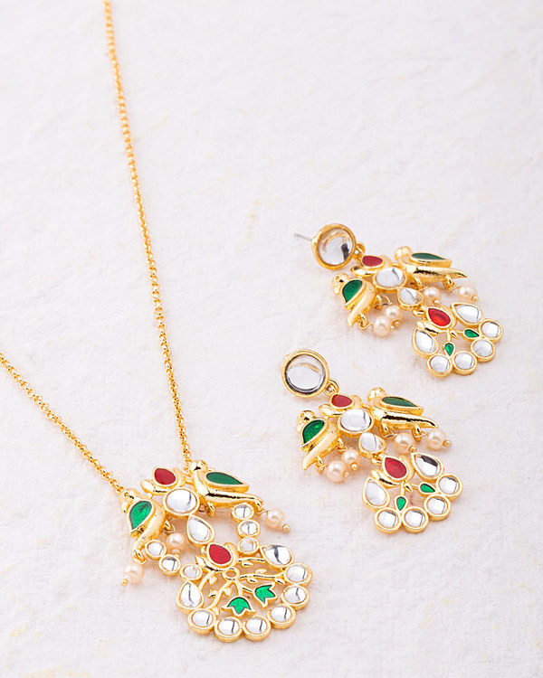 vyoma-pride-gold-plated-long-necklace-set