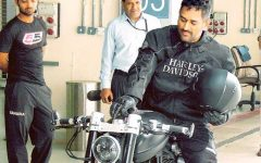 Mahendra-singh-dhoni-with-bike